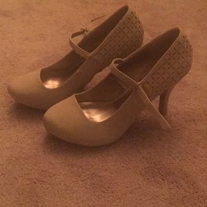 Qupid Faux Suede Tan Pumps Size 10 (fits 9.5)